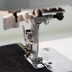 Pie de imitación overlock (Mecánicas)